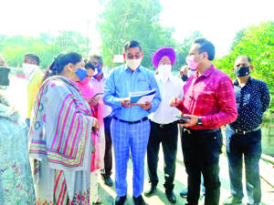 Mayor visits Bahu Fort area, reviews ongoing works