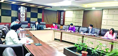 Dwivedi reviews implementation of Industrial Revival Package