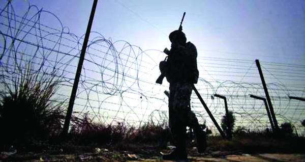 Pak targets forward posts, villages in Kathua