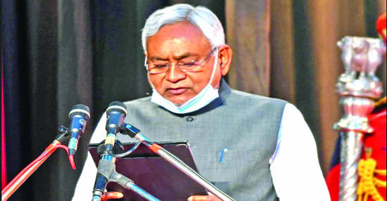 Nitish gets CM's chair, BJP lion's share in ministerial pie