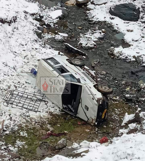9 persons injured as vehicle skids off road in Sawjian area of Mandi