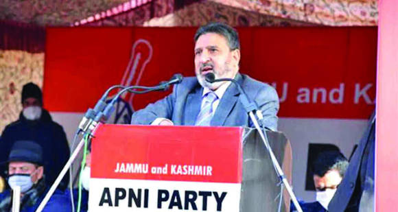 Not only Smart but Srinagar needs to be developed as attractive destination for investments: Bukhari