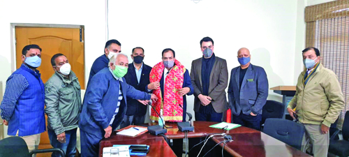 Chairman JKPCB listens to issues of Katra Hoteliers Association