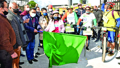 Fit India Campaign: DDC flags off cycle rally