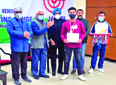 Tanishq of DPS Jammu wins gold in Shooting