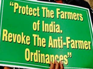 New agri laws: Farmers protest at Mumbai collector's office