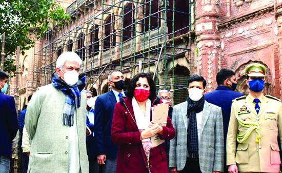 LG inspects restoration works in Mubarak Mandi complex