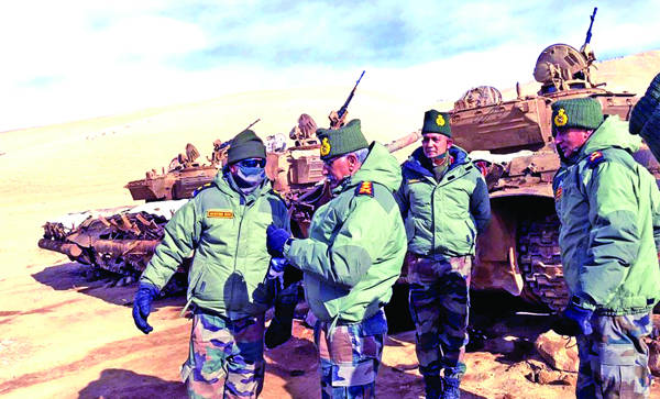 Army Chief visits forward posts in Ladakh; reviews situation