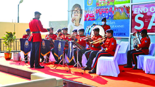 GC CRPF Bantalab holds  Band Display programme