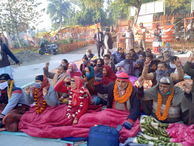 Dharmarth Trust employees' chain hunger strike enters day 4