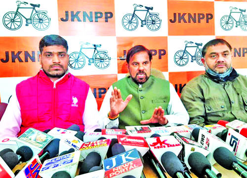 Present regime has snatched even  'Right to life' of opposition: Harsh