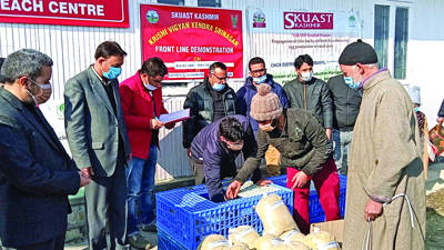 Backyard poultry units distributed among farmers