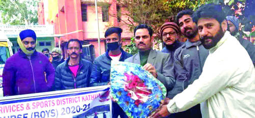 DC Kathua flags off group of students to learn Skiing skills