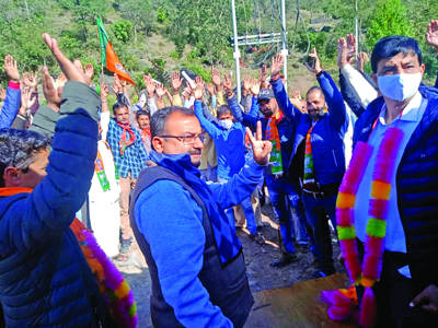 BJP getting overwhelming response, support of common people: Randhawa